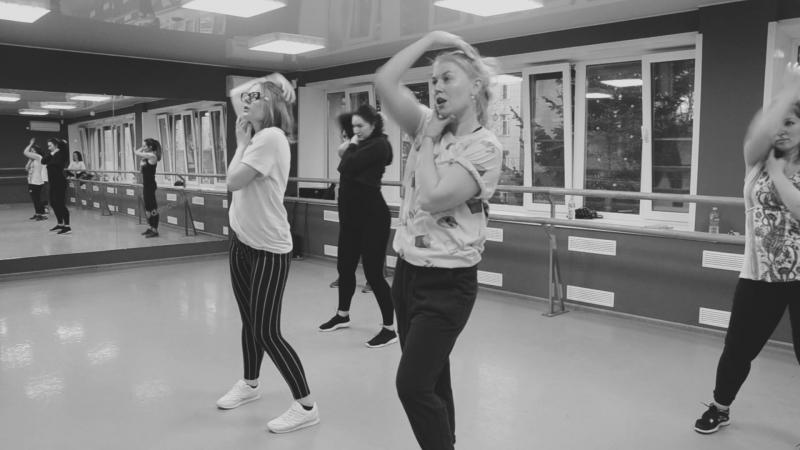 TLC-no-scrubs.Choreography by Queen Bazz