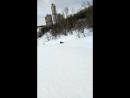 Сталкер катается с горы в противогазе и химзащите