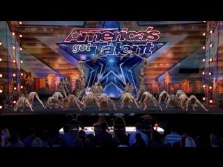 Zurcaroh- Golden Buzzer Worthy Aerial Dance Group Impresses Tyra Banks - America's Got Talent 2018.mp4