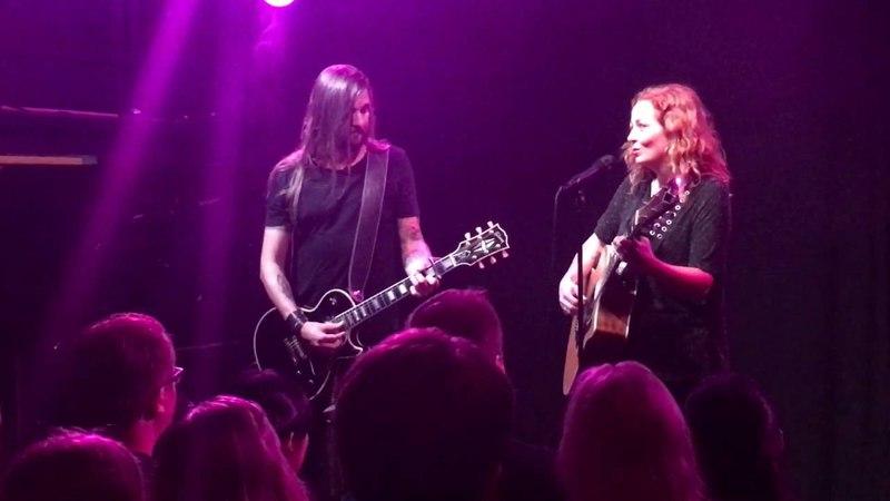 Anneke Van Giersbergen feat. Esa Holopainen - Who Wants to Live Forever (Queen cover) @ Helsinki