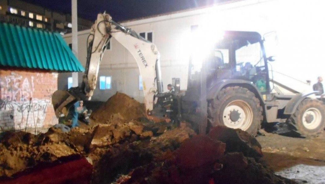 Строителя заживо похоронили, засыпав его 2.5 метрами земли