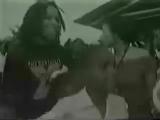 2yxa_ru_Ziggy_Marley_The_Melody_Makers_-_Look_Who_39_s_Dancing_u6pQIk1Q7zo.mp4