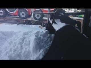 Снегоуборочная машина нового поколения!