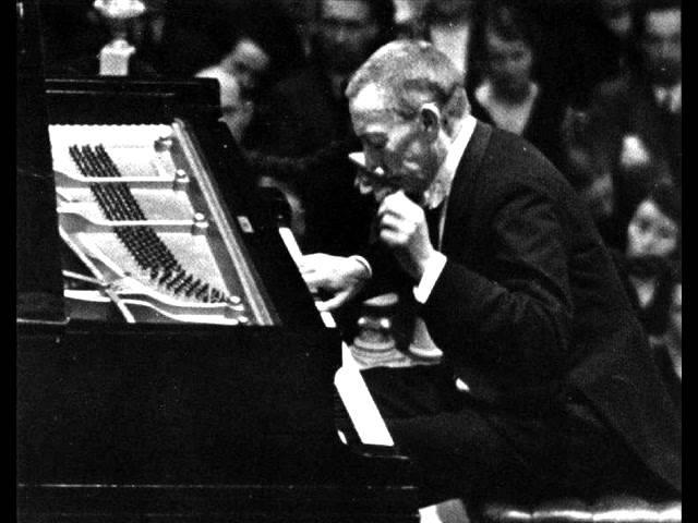 Rachmaninoff - Piano Concerto No. 4 in G minor, Op. 40 - Arturo Benedetti Michelangeli (2-3)