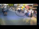 Bull hit the Women on Road Incident caught in CCTV | Bharuch | Connect Gujarat