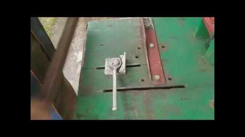 Хитрый прижим на стойке для УШМClever clamp