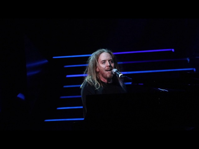 Tim Minchin performs 'When I Grow Up' from Matilda The Musical