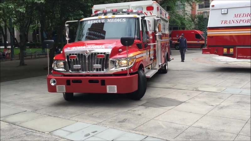 """""""FULL UNINTERRUPTED"""" SUPER EXCLUSIVE 1ST VIDEOS OF THE BRAND NEW FDNY RESCUE MEDICS AMBULANCE."""