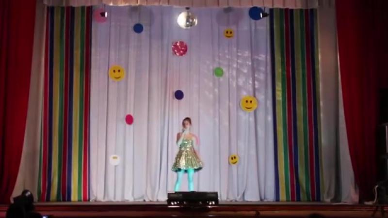 Изабелла Беринская - Танцует лето