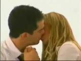 Mia Y Miguel Bleeding Love_