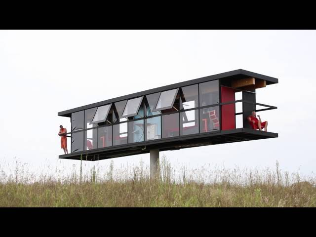 Rotating and tilting house accommodates two artists for five days