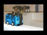 Автобус Тайо в реальной жизни купается в луже и принимает ванну Видео для Детей  ...