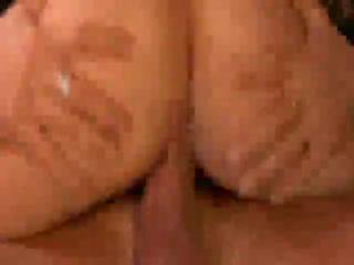 Охуенная тёлка - Её ебать само удовольствие!!!