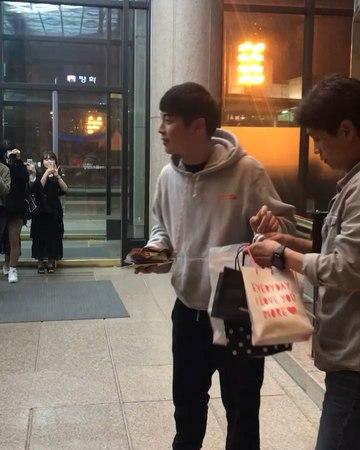 "Jungyuna on Instagram: ""180511 자첫공! 여도 단종 힘찬 넘 잘했어! 퇴근길에 심장터지는 줄 알았"