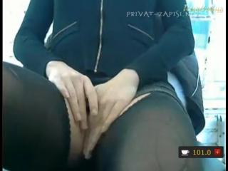 Кассирша мегафона мастурбирует бананом прямо на работе просто офигеть, пышногрудые в кружевном белье порно фото
