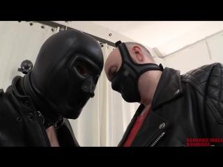 Сделать из тебя кожаного раба. Часть 1 из 2. A_Long_Journey_Part1_R614 Гей порно БДСМ бондаж bondage BDSM gay porn slave leather