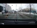 Водитель автомобиля «Porsche Macan S» столкнулся с поворачивающим налево автобусом НЕФАЗ