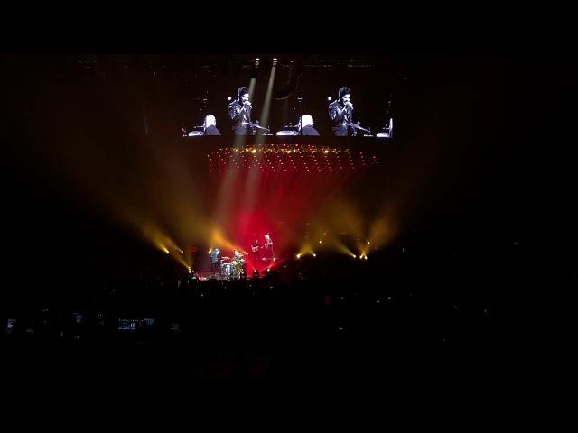 Queen Adam Lambert - Under Pressure Live @Friendsarena Stockholm