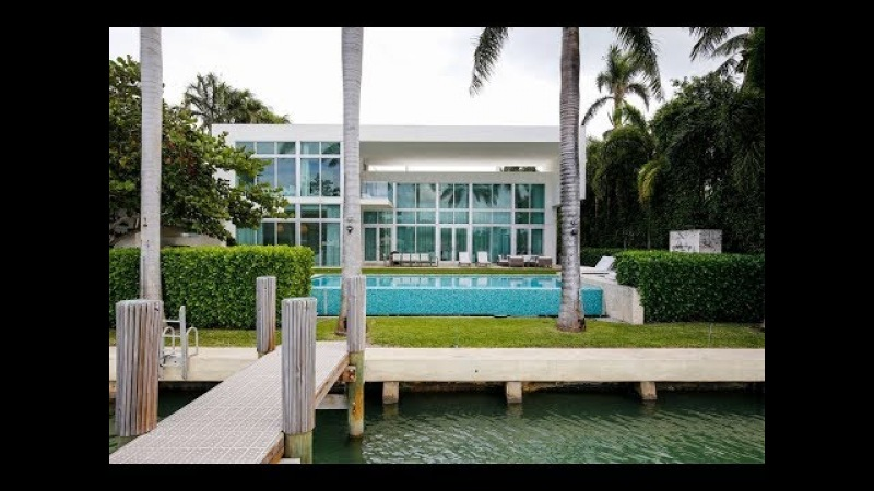 Pro-Baller's Resort-Style Home in Miami Beach, Florida | Sotheby's International Realty
