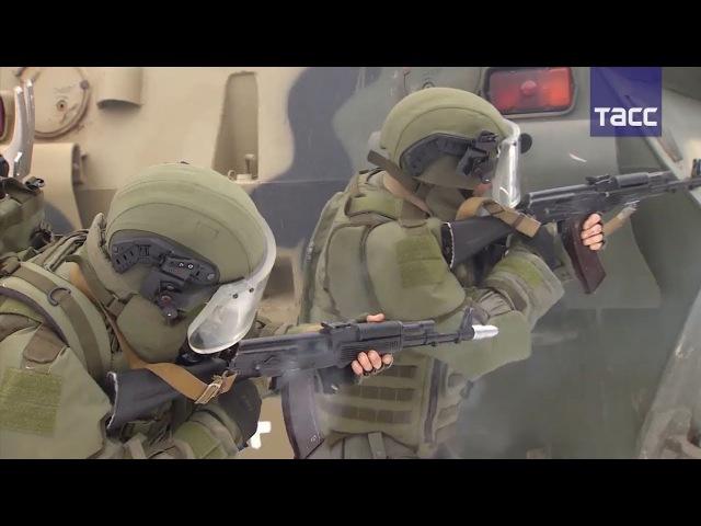 Испытания новейшего штурмового костюма для инженерных войск