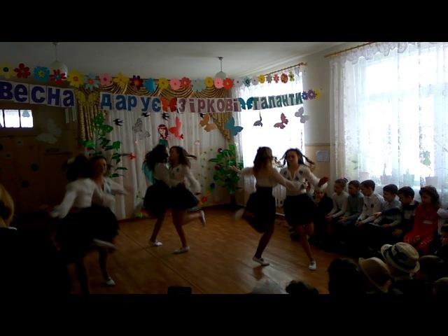 танець від ансамблю Волошкові мрії