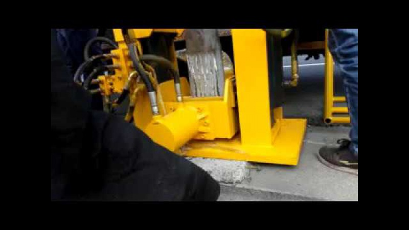 Highway hydraulic Post Puller for construction