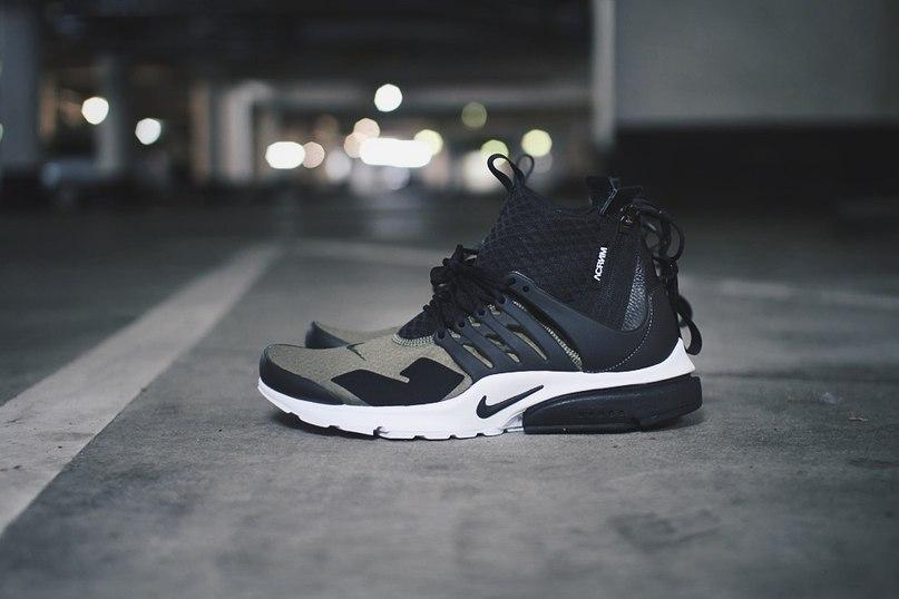 714a911b В 1996 году Тоби Хэтфилд, брат легендарного дизайнера Nike и Air Jordan  Тинкера Хэтфилда, оказался в Корее на совещании по производственному  процессу, ...