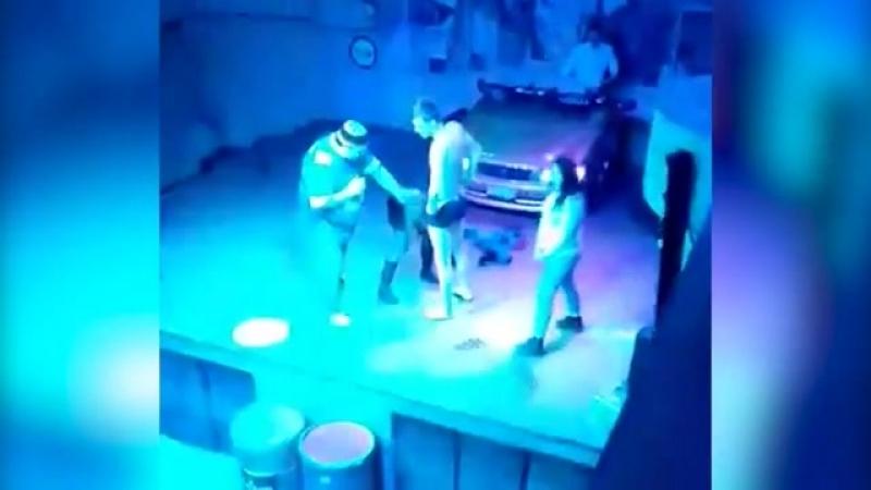 В Томске девушка за коктейль занялась оральным сексом в ночном клубе.