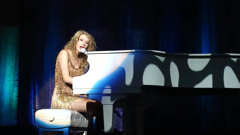 Taylor Swift- Back to December live in Belgium 2011