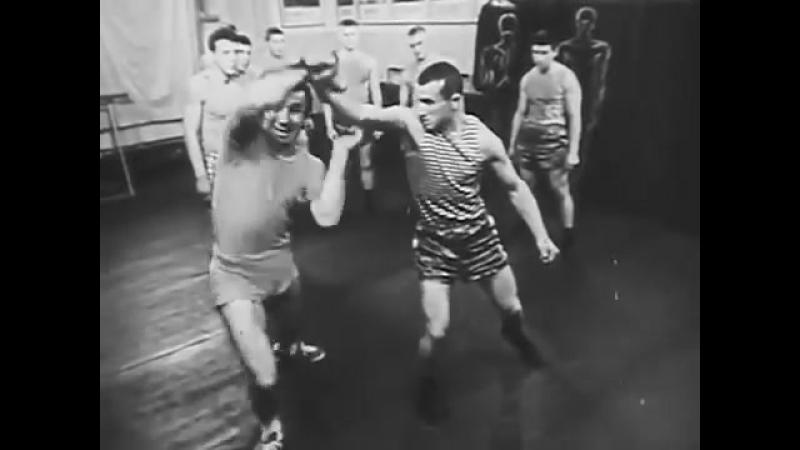 Каратэ по советски. Ван Дамм нервно курит. (Special Forces training of the USSR
