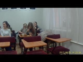 Челябинские студенты-художники настолько бывают голодными и суровыми, что могут съесть прямо на паре краску, инструментами для д