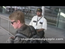 Macaulay Culkin confronted about drugs by paparazzi