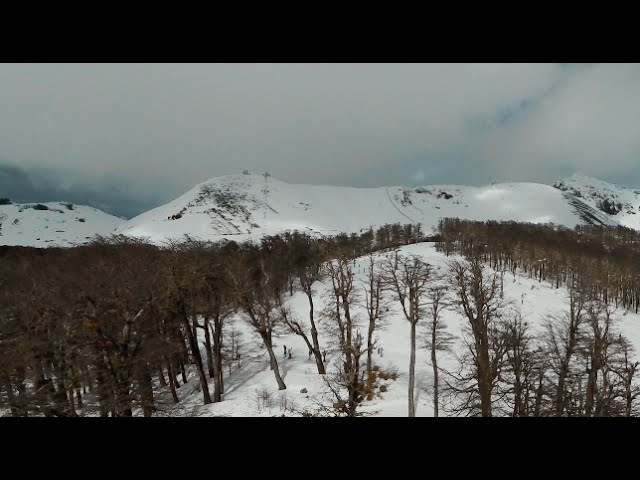Cerro Chapelco - Patagonia Argentina ( video 4K aéreo )