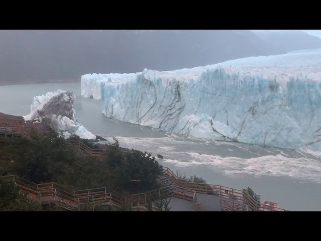 El glaciar horas después del rompimiento