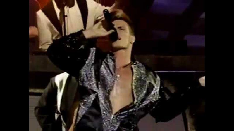 Vanilla Ice - Ice Ice Baby Live 1991