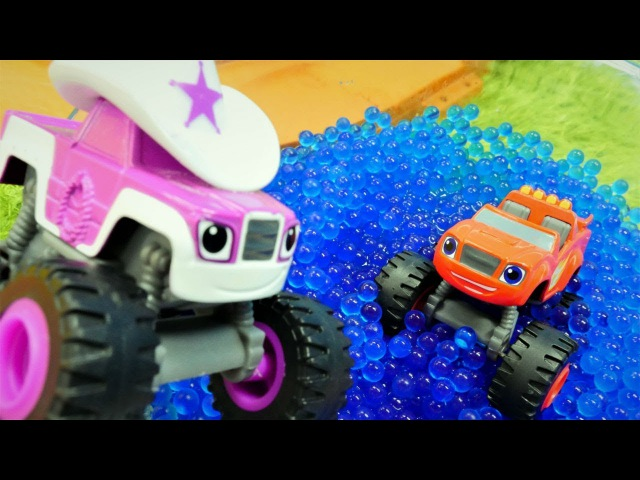 Blaze suya düştü! Monster Mashines oyuncak arabalar.