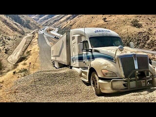 Caminhões ao Extremo 109 - TENSÃO TOTAL EM CAMINHÕES SEM FREIO EXTREME