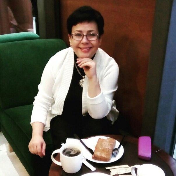 Здравствуйте ! Меня зовут Светлана Лесникова , и Я помогаю людям в любых жизненных ситуациях уже на протяжение 26 лет , да, за моей спиной большое количество людей которые улучшили свою жизнь . Я считаю что каждый из нас в этом мире имеет право быть счаст