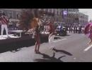 Третий час танцев на параде барабанщиков)