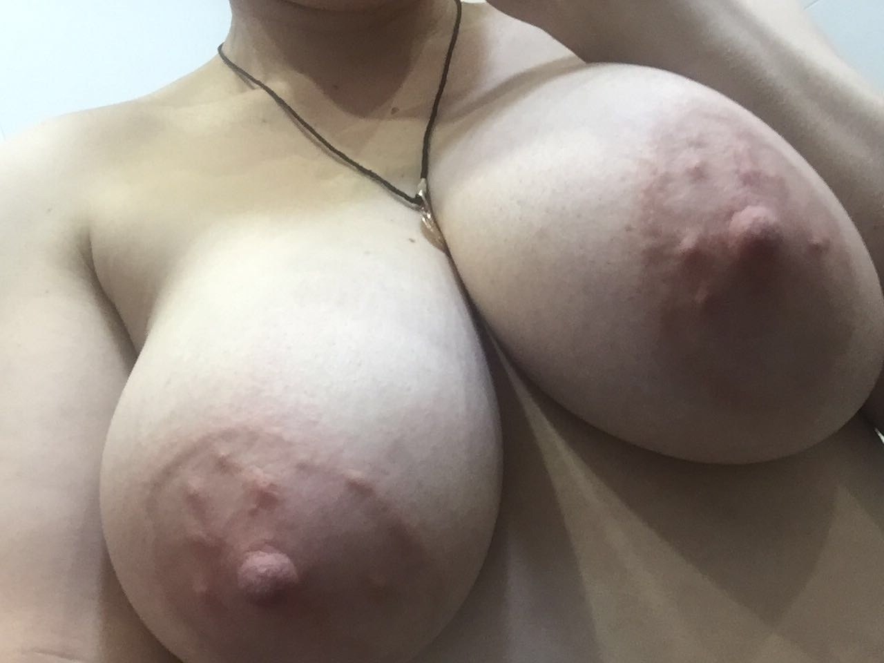 Perverted pale pornstar clothed like maid teases