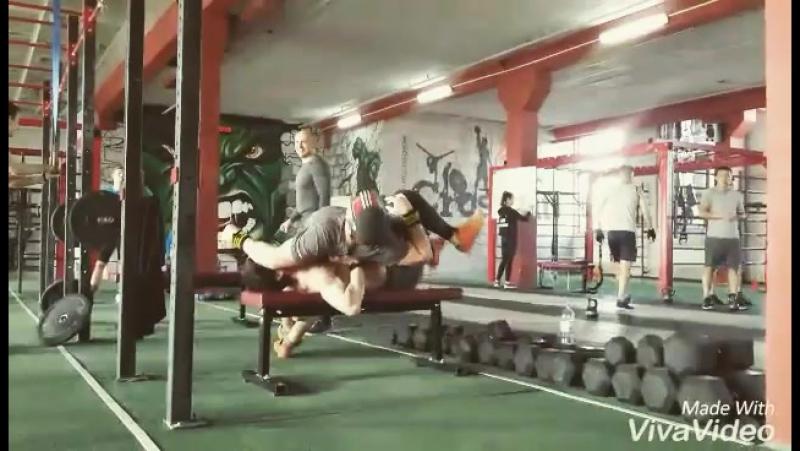 Ответ @badurgovislam 💃💃💃💪💪💪 Когда кроссфитер не может делать жим лежа просто так) г. Шымкент, ул. Туркестанская 6А, у. Ул. Ку