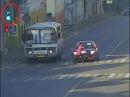 Пешеход был сбит при попытке перейти на красный свет.