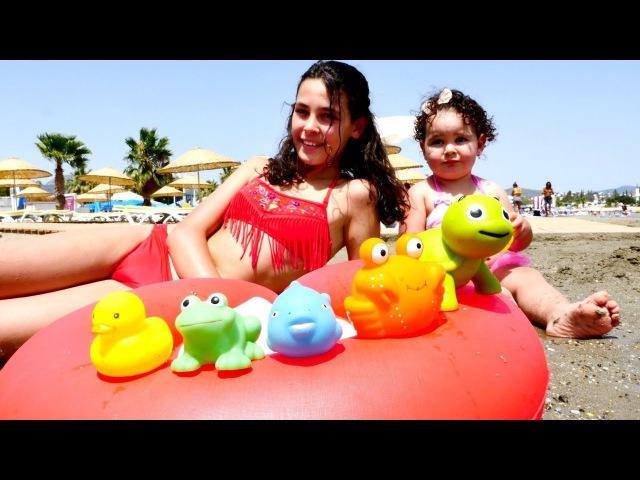 Plaj oyuncakları! Kum'da neler bulduk!🐢🐳 Deniz hayvanları öğreniyoruz! Okul öncesi eğitim plajoyunu