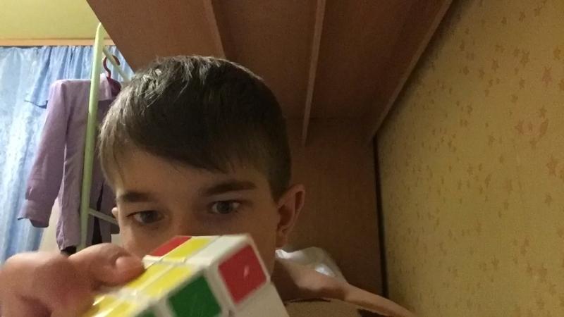 Таймлапс, как я собираю кубик Рубика