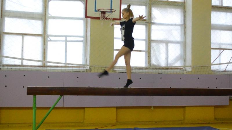 Подрез Алина 1 место гимнастика-упражнение на бревне 15.12.2017