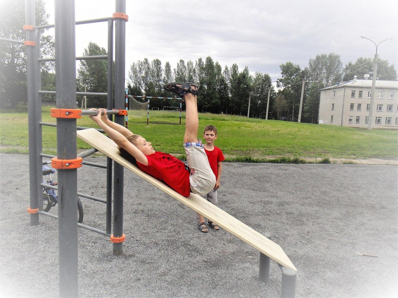 спорт снаряды дети лето новодвинск отжимания открытка упражнения на пресс