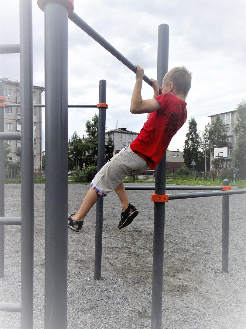 спорт снаряды дети лето новодвинск подтягивания открытка