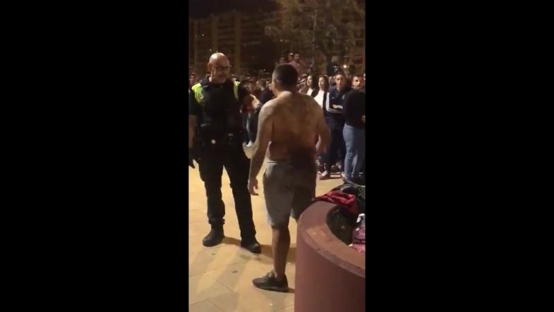 Датый испанец вызвал полицейского на бой