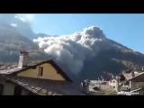 Mассивный обвал на горе в итальянской автономной области Валле-д'Аоста