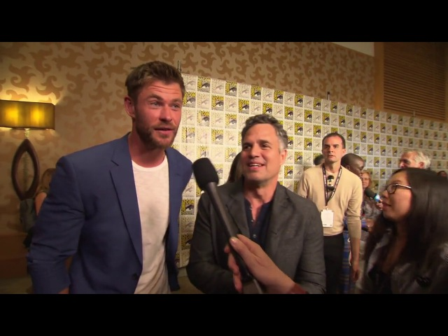 Thor: Ragnarok: Chris Hemsworth Mark Ruffalo Comic-Con 2017 Movie Interview